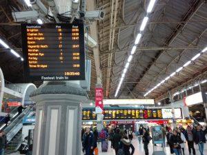 Der Ersatzfahrplan sieht vor, dass viele Bahnhöfe nicht bedient werden. (Archivbild vom 5. November 2016, Max Yang/Zughalt.de)